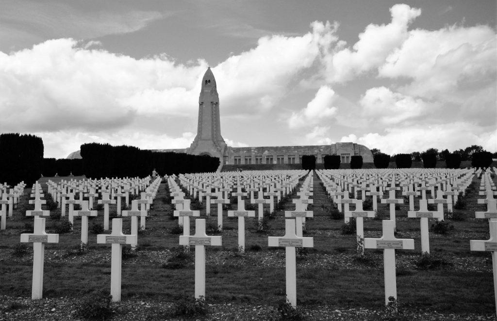 L´Orchidée Sauvage Champ de Bateille Verdun monument